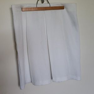 Worthington White Front pleated skirt, sz 12